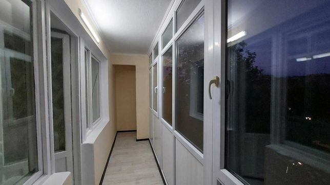1 комнатная с лоджией, кирпич, согласны через банк. Ипотека любой банк