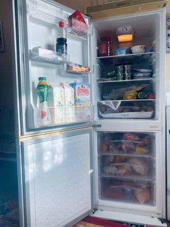 СРОЧНО Продам Двухкамерный холодильник Могу Доставить Работает Отлично