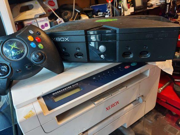 Продавам конзола XBOX -игра с оригинален джойстик - контролер Екс Бокс