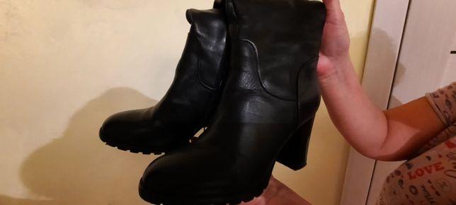 Кожаные сапоги 35 размер