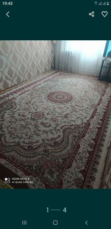 Персидский шёлковый ковёр
