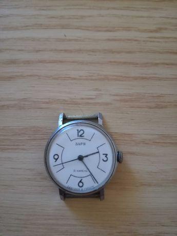 Уникален стар механичен часовник Заря.