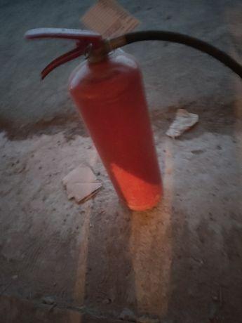 Продам полный огнетушитель
