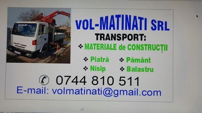 Transport cu camionetă basculantă și macara