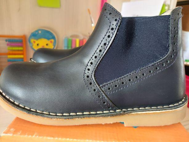 Ботинки детские 33 размер пр-во Испания. Натуральная кожа