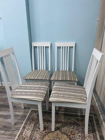 Продам стулья для гостинной комнаты.