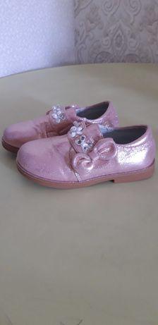 Детские туфли на 4-5 лет