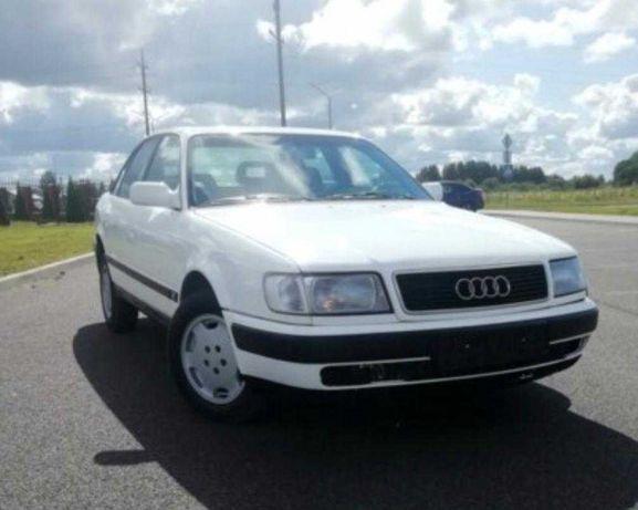 Audi 100 . . . . .