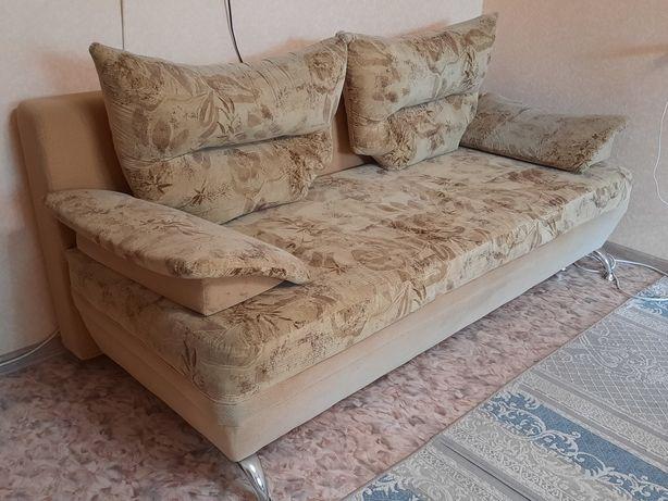 Продам диван и 2 кресла комплект
