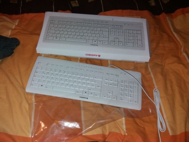 Tastatura semi mecanica CHERRY noua