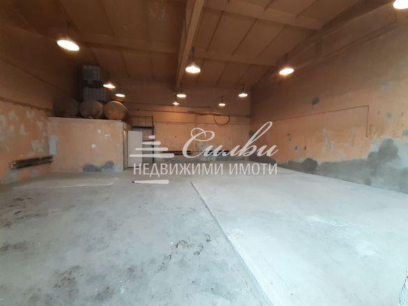 ХАЛЕ на бетонна плоча с площ от 140кв.м – кв.Тракия