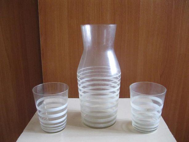 Кувшин с двумя стаканами для напитков (СССР, 50-е годы)