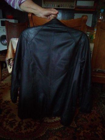 Дамско черно кожено яке