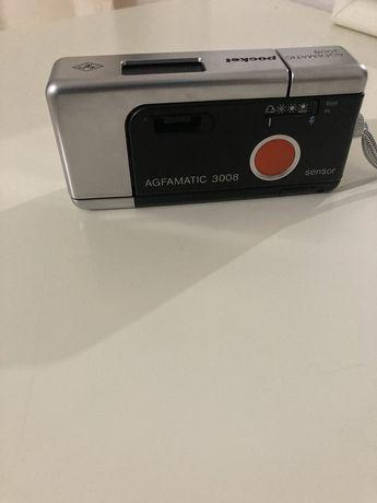 Vand aparat de fotografiat clasic cu film mic Agfamatic 3008