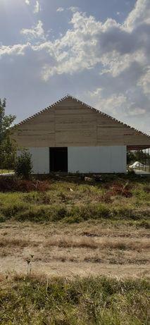 Vindem case pe structura metalică