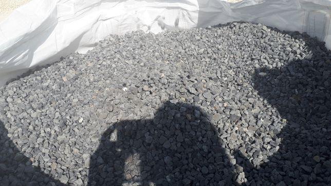Mozaic NEGRU ,sorturi negre,piatra ornamentala neagra,terasit NEGRU