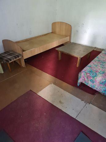 Кровати, шкафы , диван