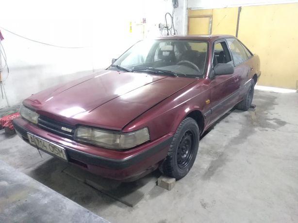 Автомобиль Мазда 626