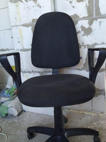 Срочно продам офисное кресло