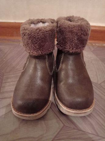 Зимние сапожки и осенняя обувь