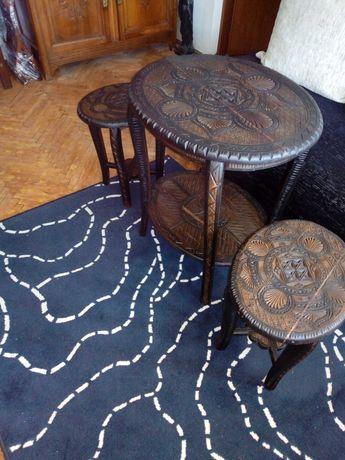 Masa colectia N Ceaușescu brâncovenească cu 2 scaune antice/ retro/