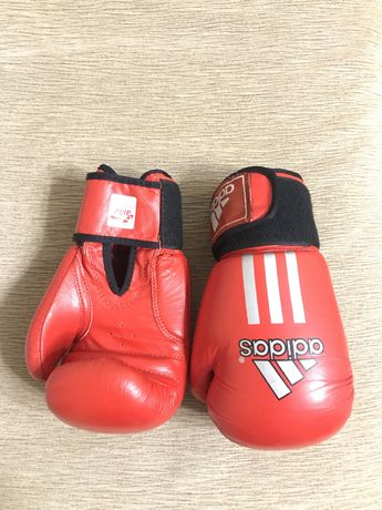 Продам перчатки боксерские кожаные