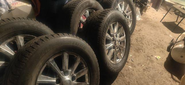 4 диска с резиной. Зима 285/60/18 cruiser 100/Lexus lx 570 lx470