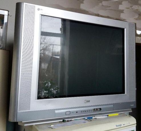 Телевизор LG большой экран