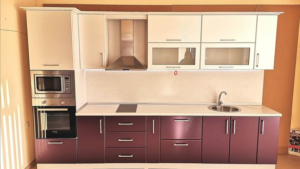 Кухня MDF Бял седеф и лилаво