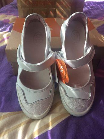 Детски обувки на К&К + подарък