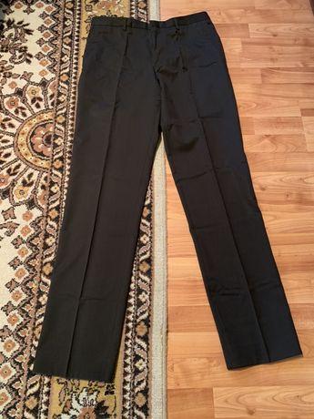Pantaloni barbati 42