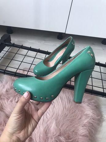 Обувки на ток Fornarina, естествена кожа