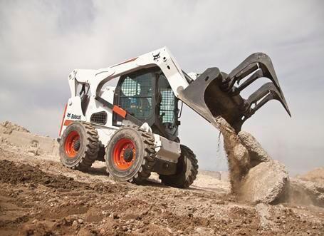 Inchiriem bobcat miniincarcator miniexcavator utilaje constructi picon