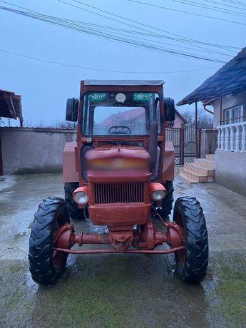 Vand tractor UTB 445 DT 4x4 cu Plug reversibil cu 2 brazde