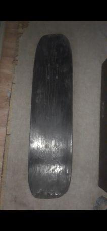 Продам скейт борд в че́рным цвете зайди чёрный
