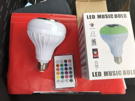 Bec Bluetooth LED Cu Boxa, Jocuri De Lumini Si Telecomanda nou