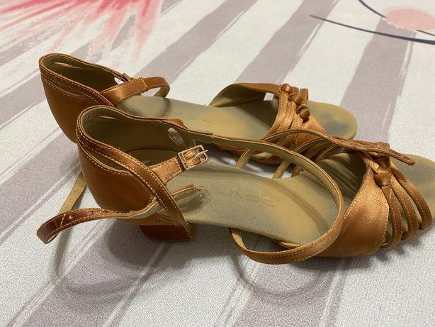 Туфли для танцев, бальные