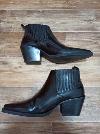 Ботинки казаки Mango