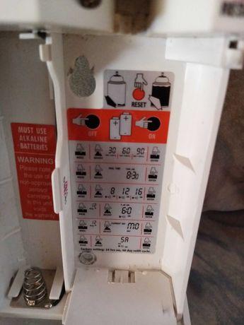 Автоматичен дозатор ( освежител за въздух)