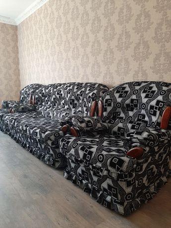 Продам диван ÷2 кресло