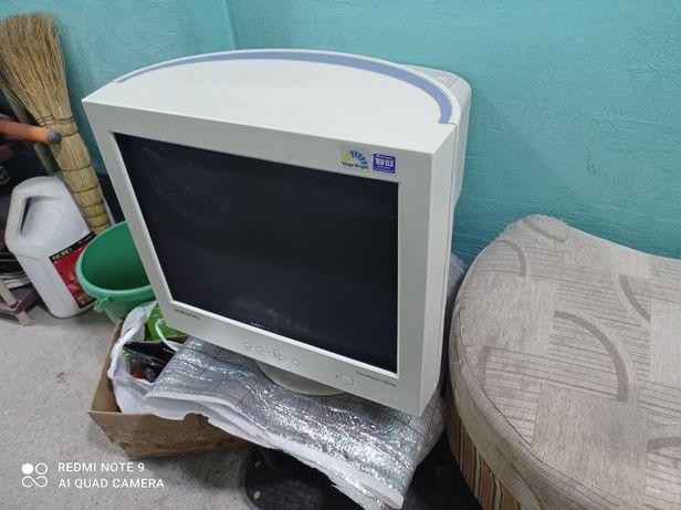 Монитор Самсунг 19 D