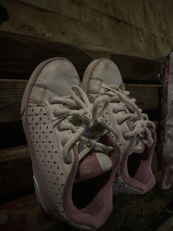 Продам кроссовки с роликами