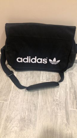 Продавам чанта Adidas