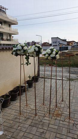 Stalpi cu flori pentru evenimente speciale