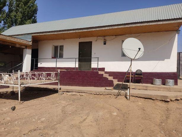 Жилой дом с Откормплощадкой (Кошара) в с.Бургулюк вдоль трассы.