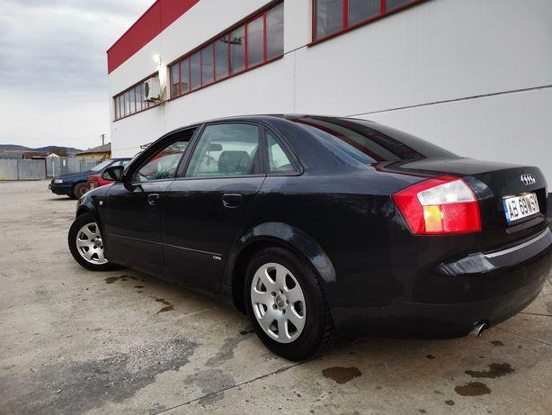 Vând sau schimb Audi A4