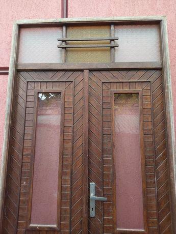 Ușa exterior