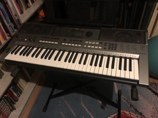 Продаю синтезатор Yamaha