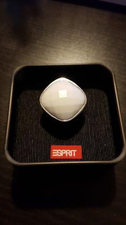 Пръстен Esprit  .