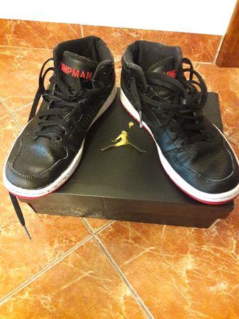 Ghete baschet Nike Jordan, nr. 38,5